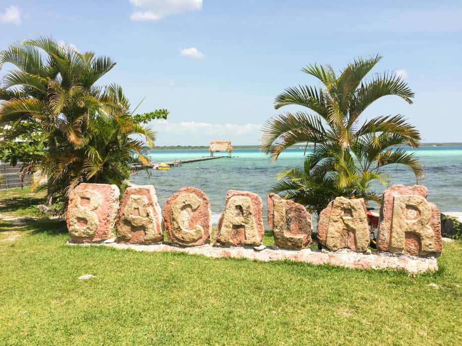 Bacalar und die Laguna de los Siete Colores
