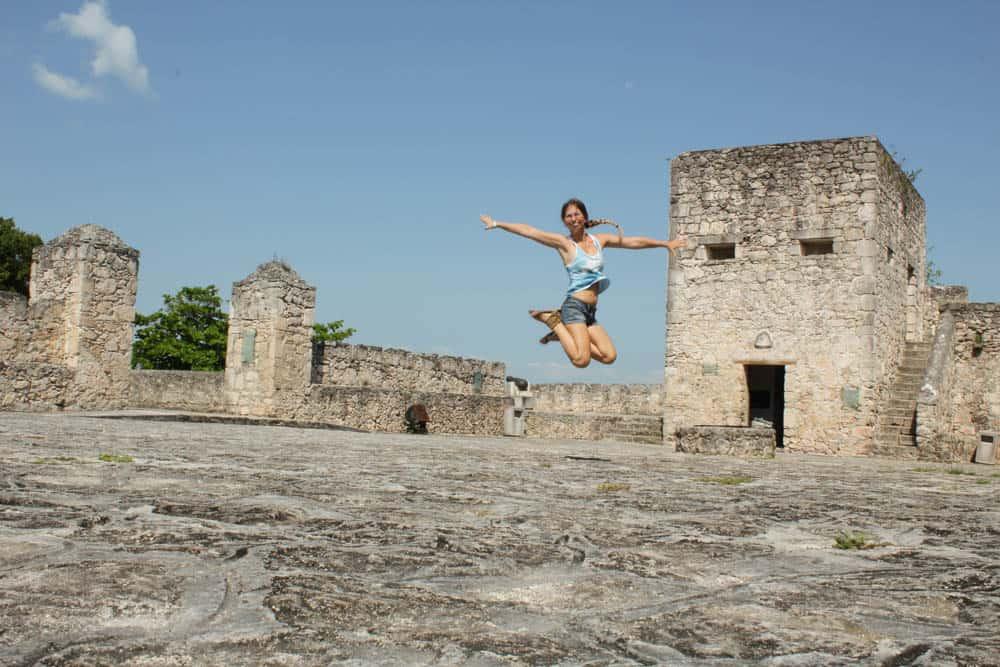 Barbara springt im Fuerte San Felipe