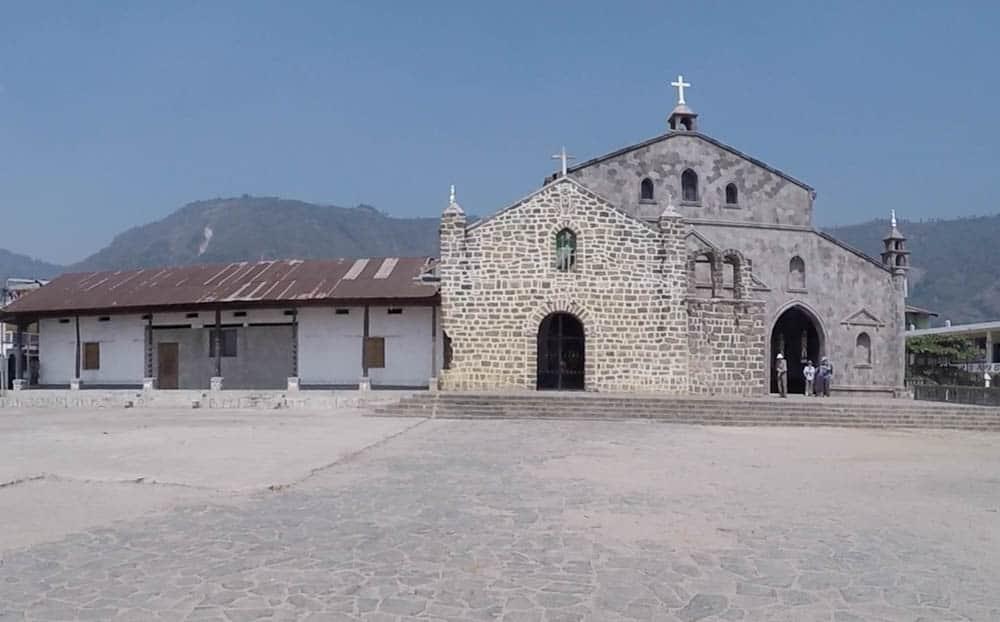 Kirche am Lago de Atitlan