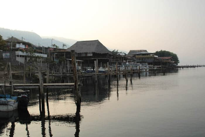 Traveling Guatemala – Sunrise in Panajachel Lago de Atitlan