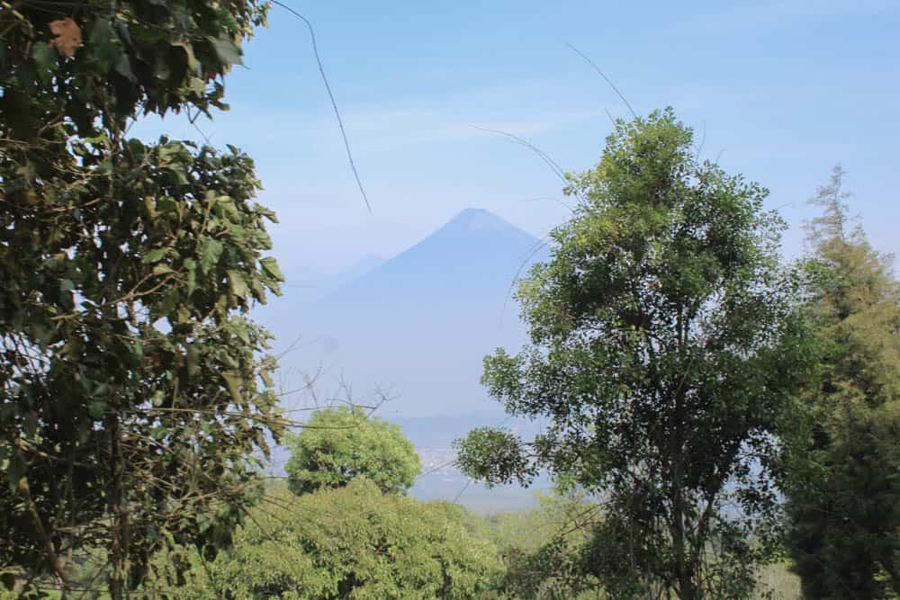 Volcán de Agua y Volcán de Fuego