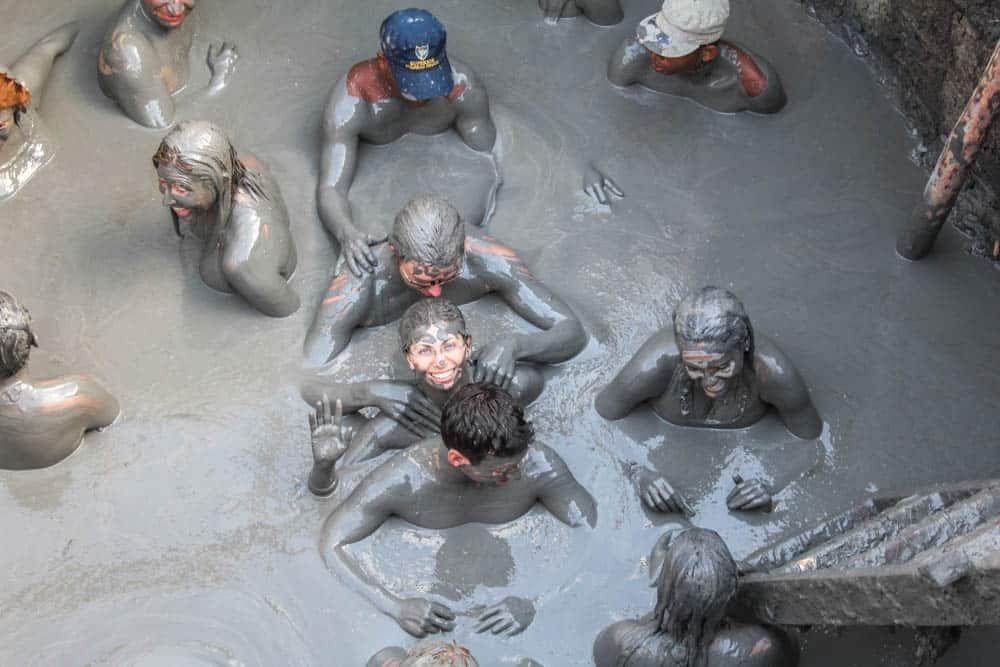 Massage im Schlammvulkan Totumo.JPG