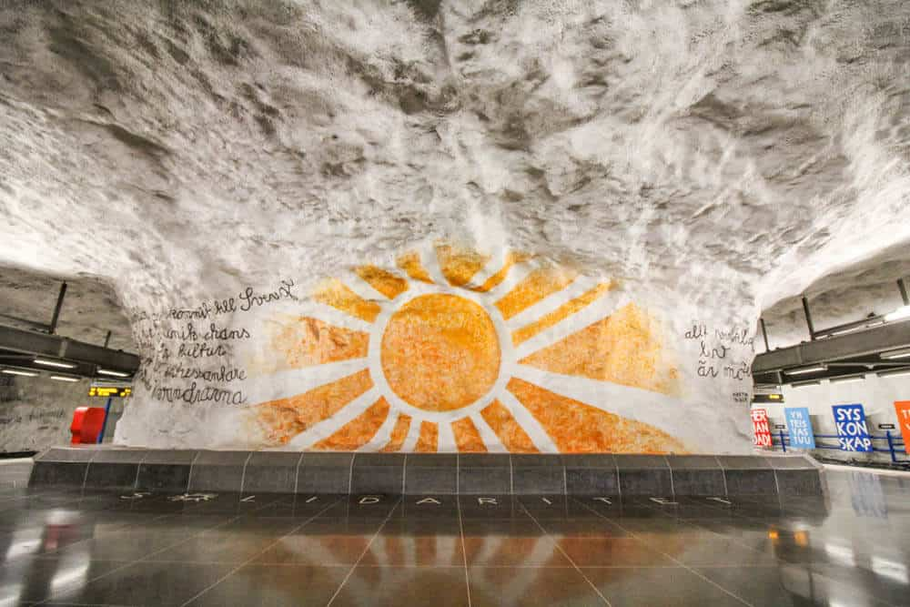 Sonne in Metrostation Tensta