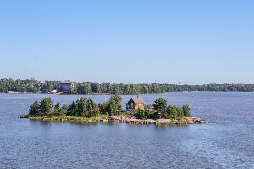 Ankunft in Helsinki - Winzige Insel vor Helsinki