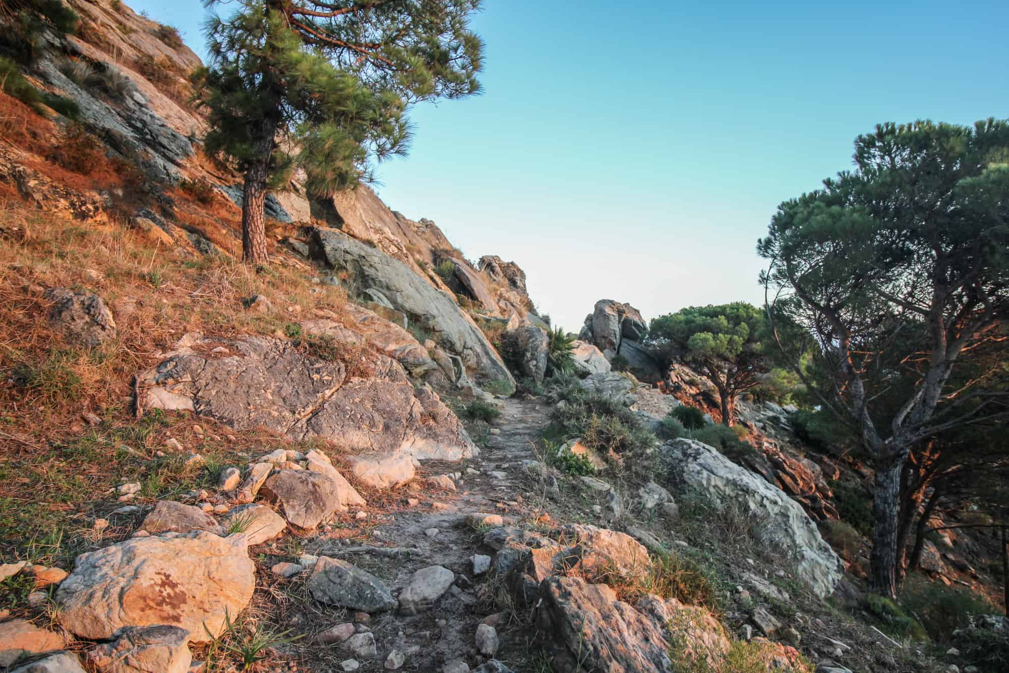 Gipfel Wanderweg La Pena