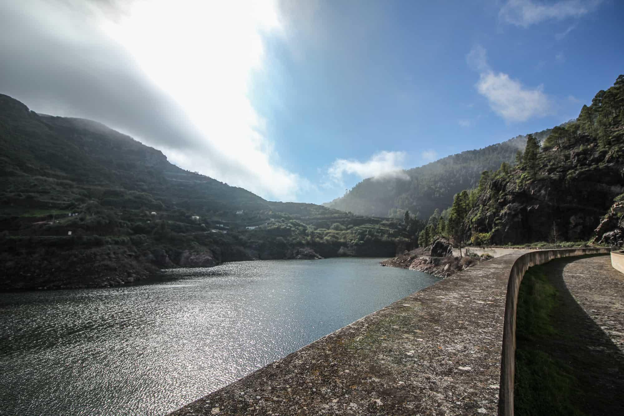 Wandern Artenara Stausee Lugarejo