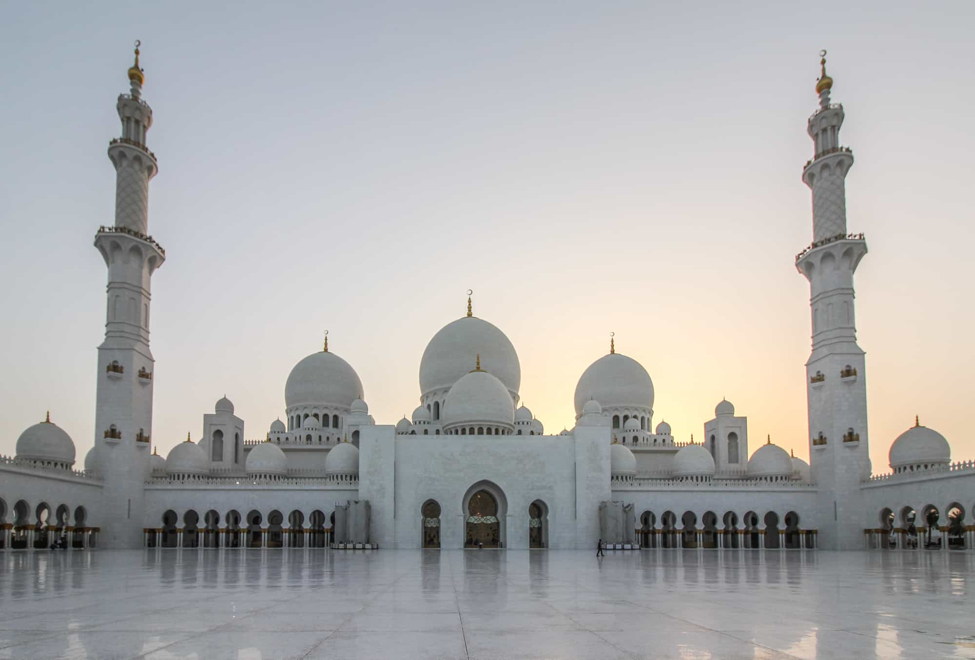grand mosque frontal after sunset