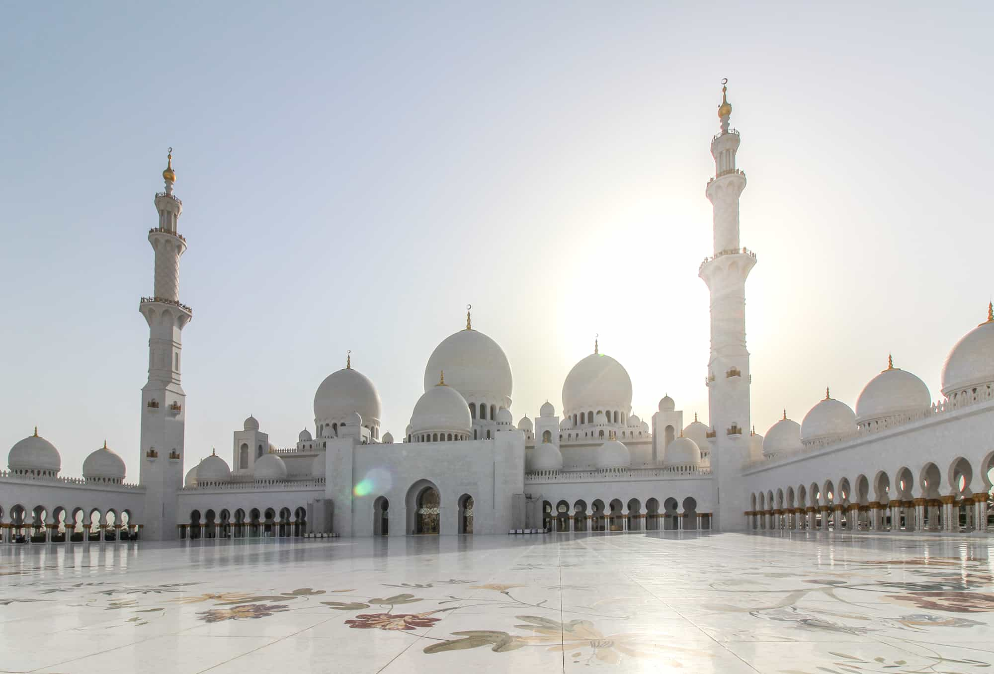 Sheikh Zayed Grand Mosque A Day Trip From Dubai To Abu Dhabi