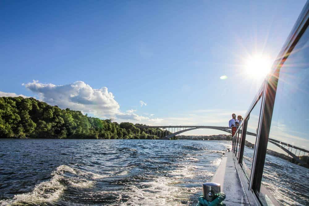Spiegelung Brücke Stockholm