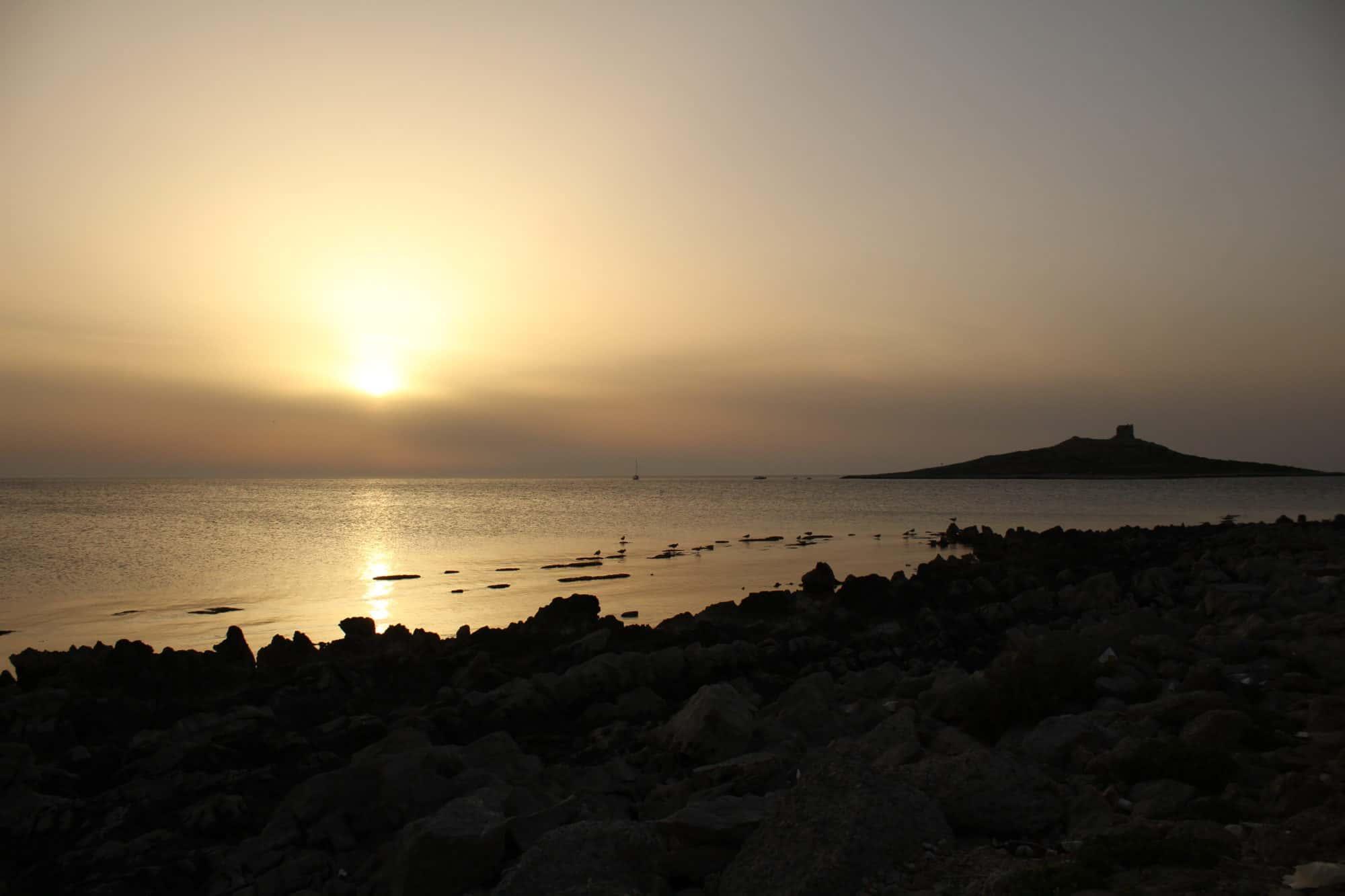 Der Sonnenuntergang neben der Isola delle Femmine