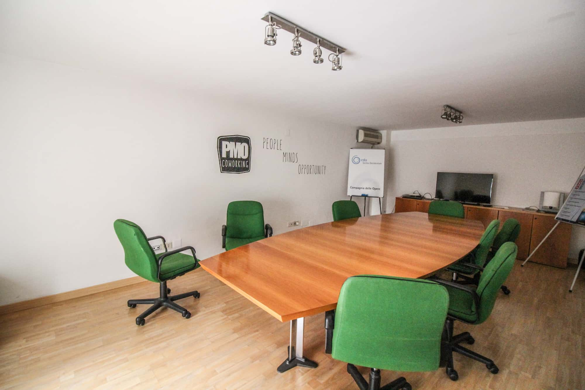 PMO Coworking Meeting Room