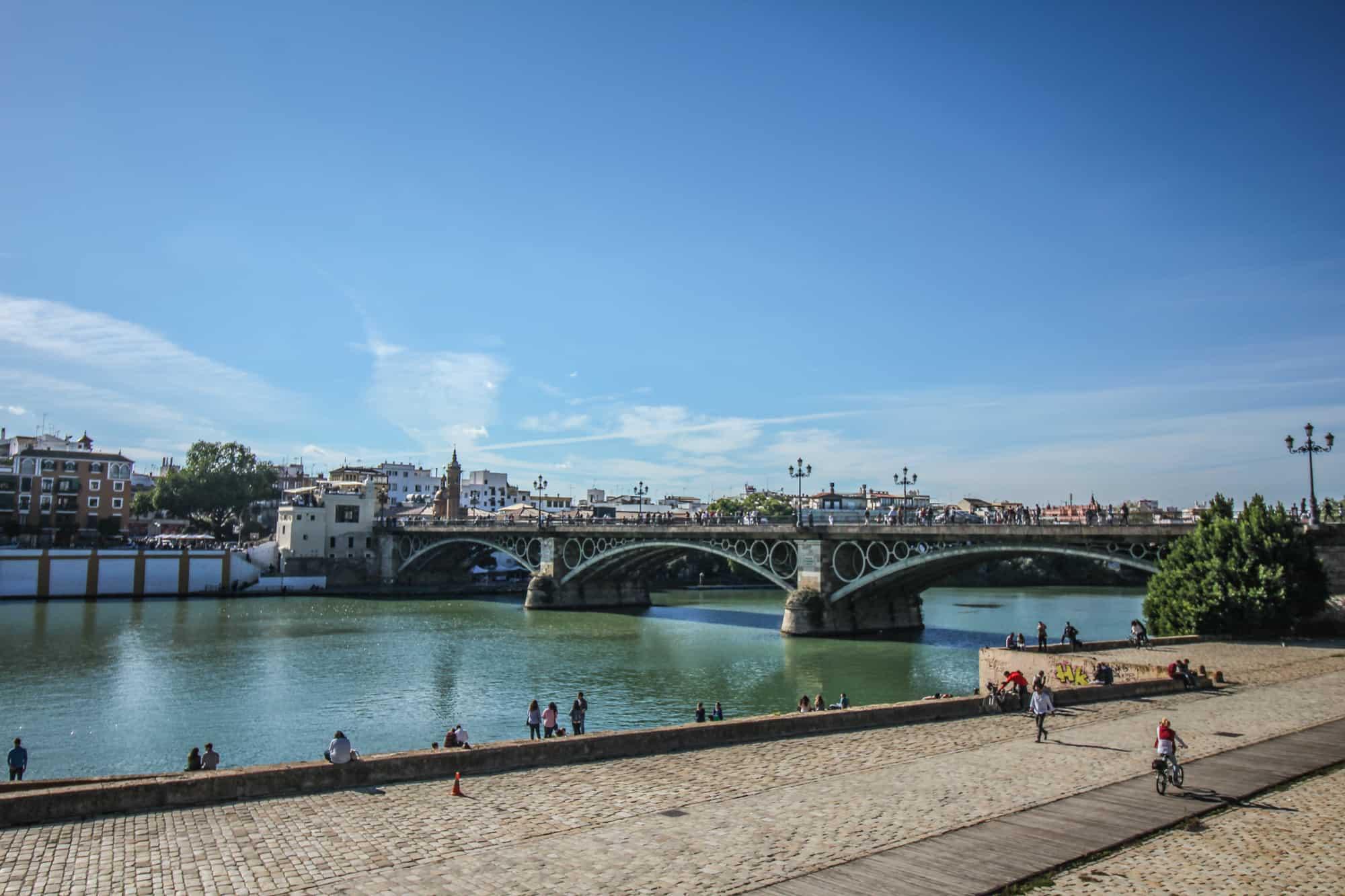 Bruecke ueber Guadalquivir Sevilla