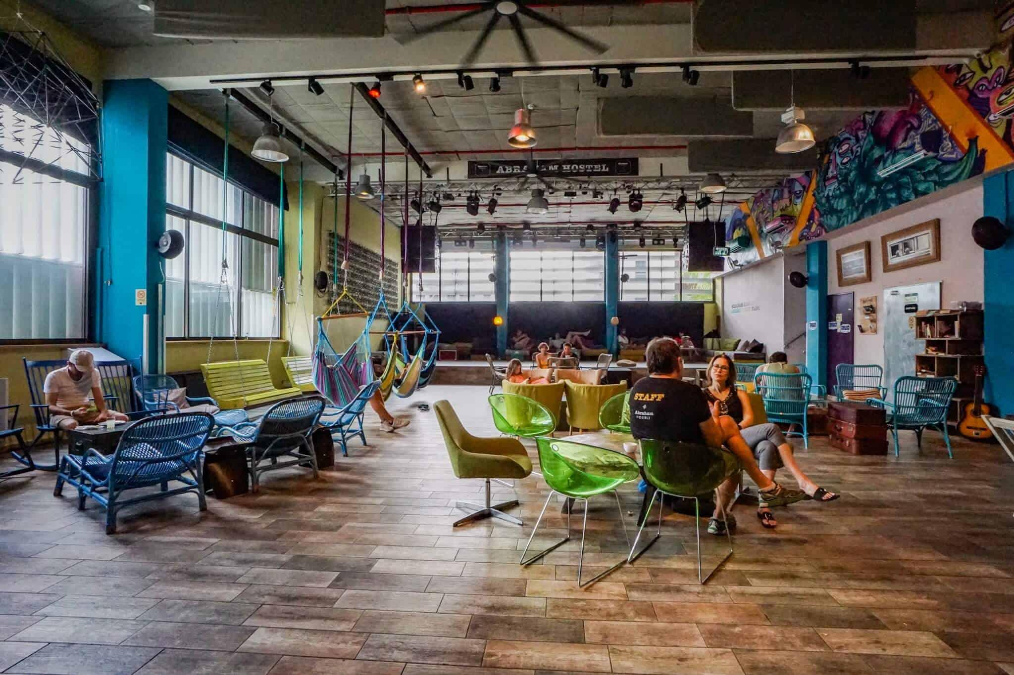 Abraham Hostel Tel Aviv Lounge
