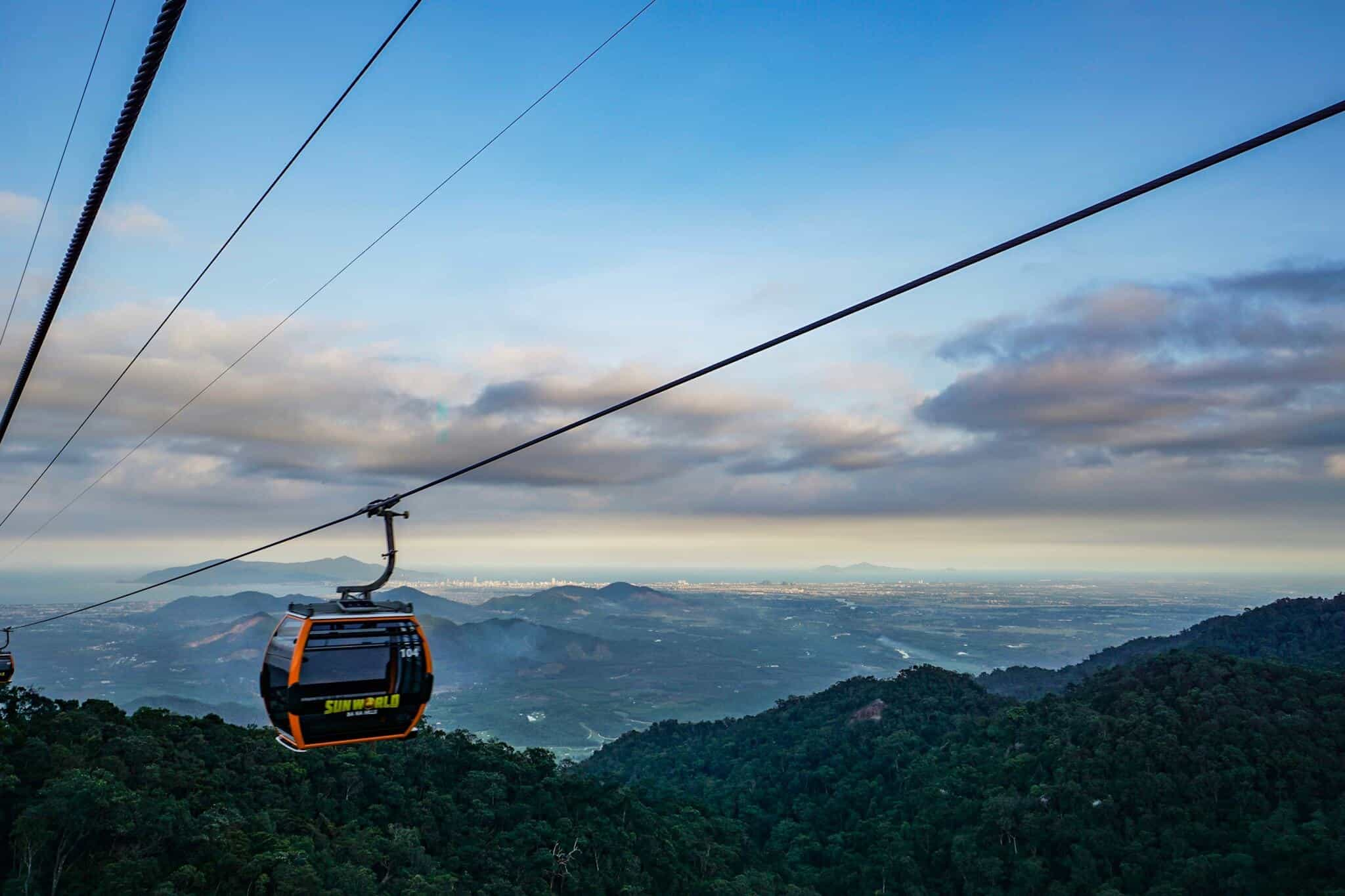 Da Nang Sunworld Cable Car 3