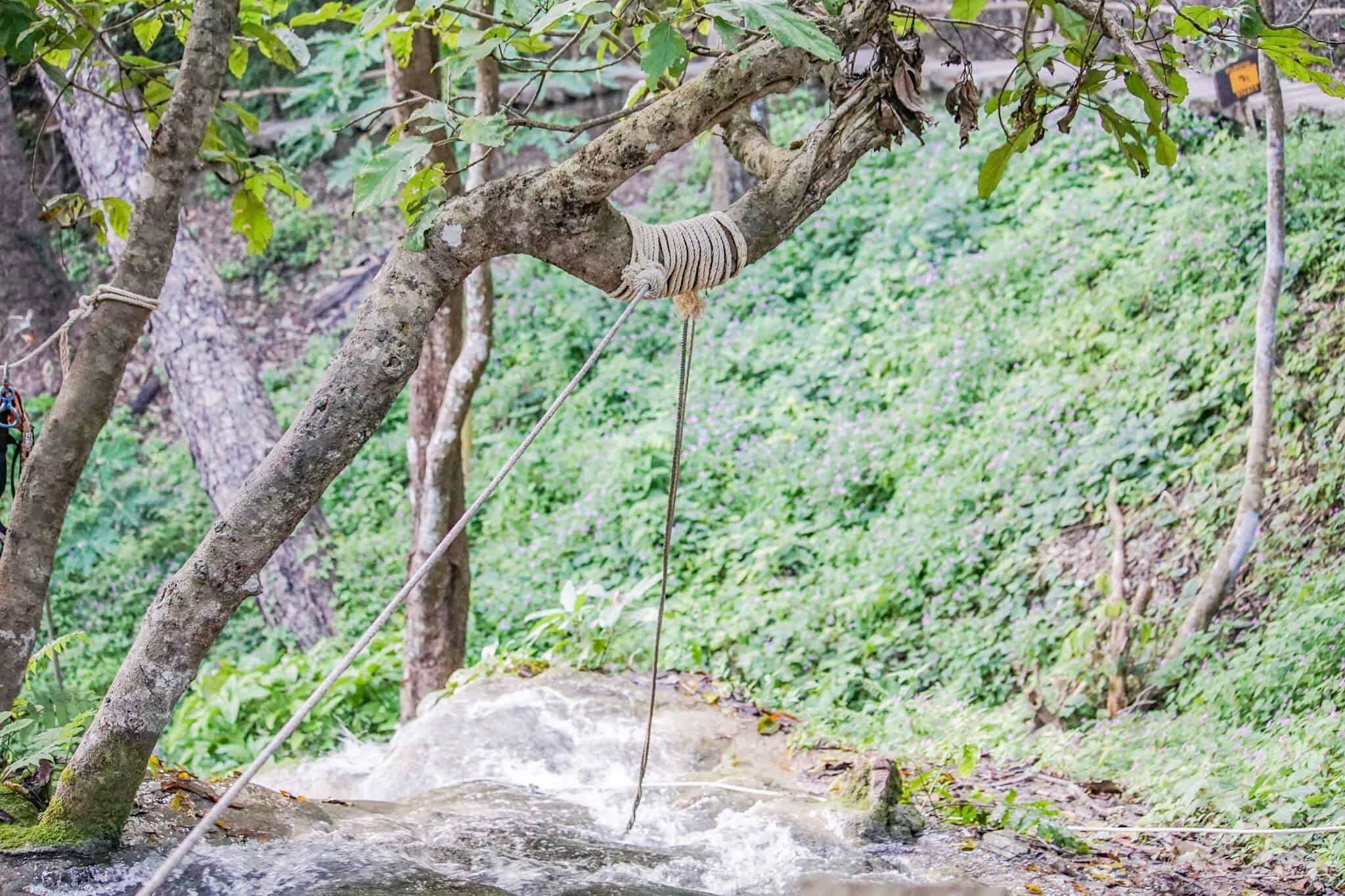 Sticky Waterfalls – Bua Thong Waterfalls