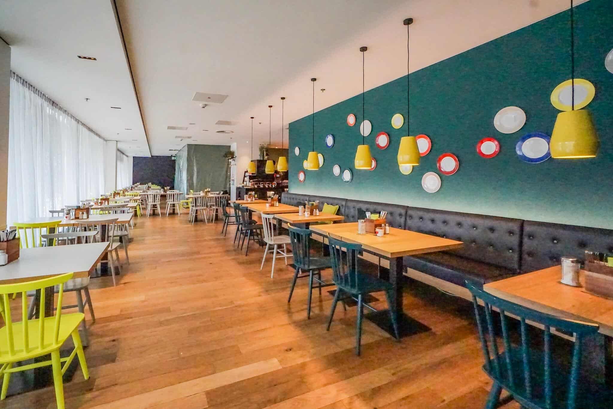 Vienna House Easy Breakfast Room 4