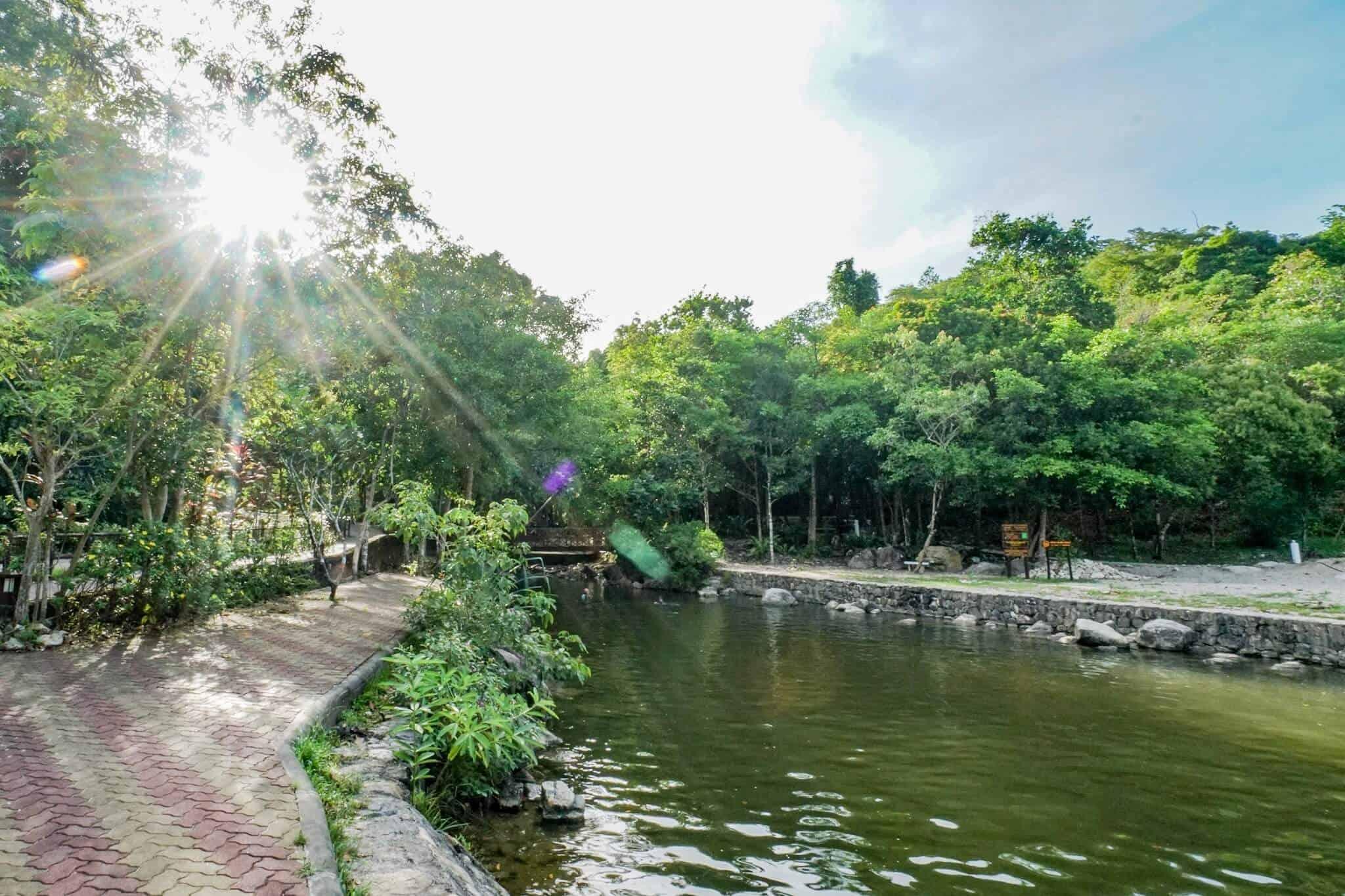 Ranong – Heiße Quellen im Namtok Ngao Nationalpark