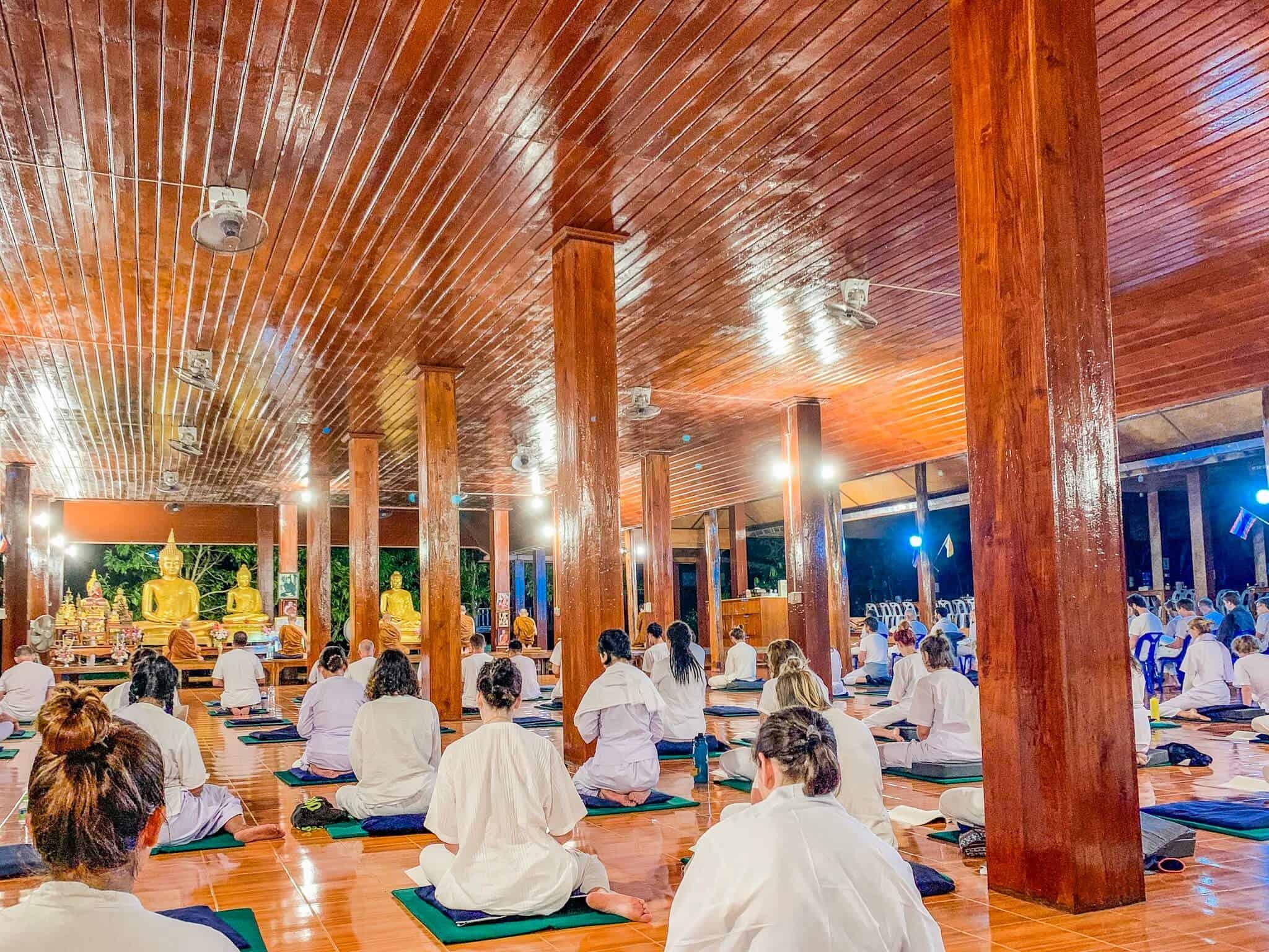 Sitting Meditation im Wat Pa Tam Wua Forest Monastery