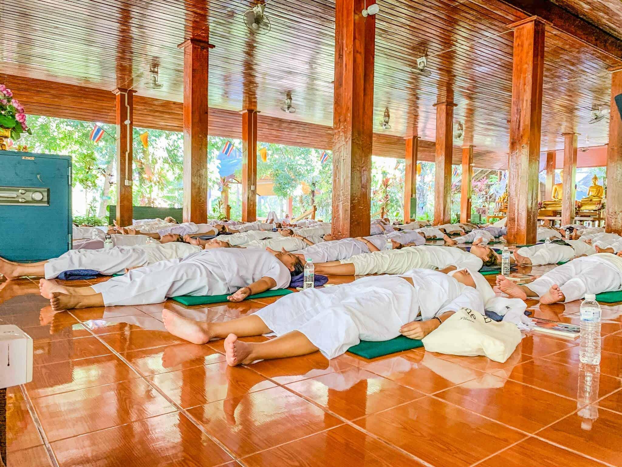 Lying Meditation im Wat Pa Tam Wua Forest Monastery