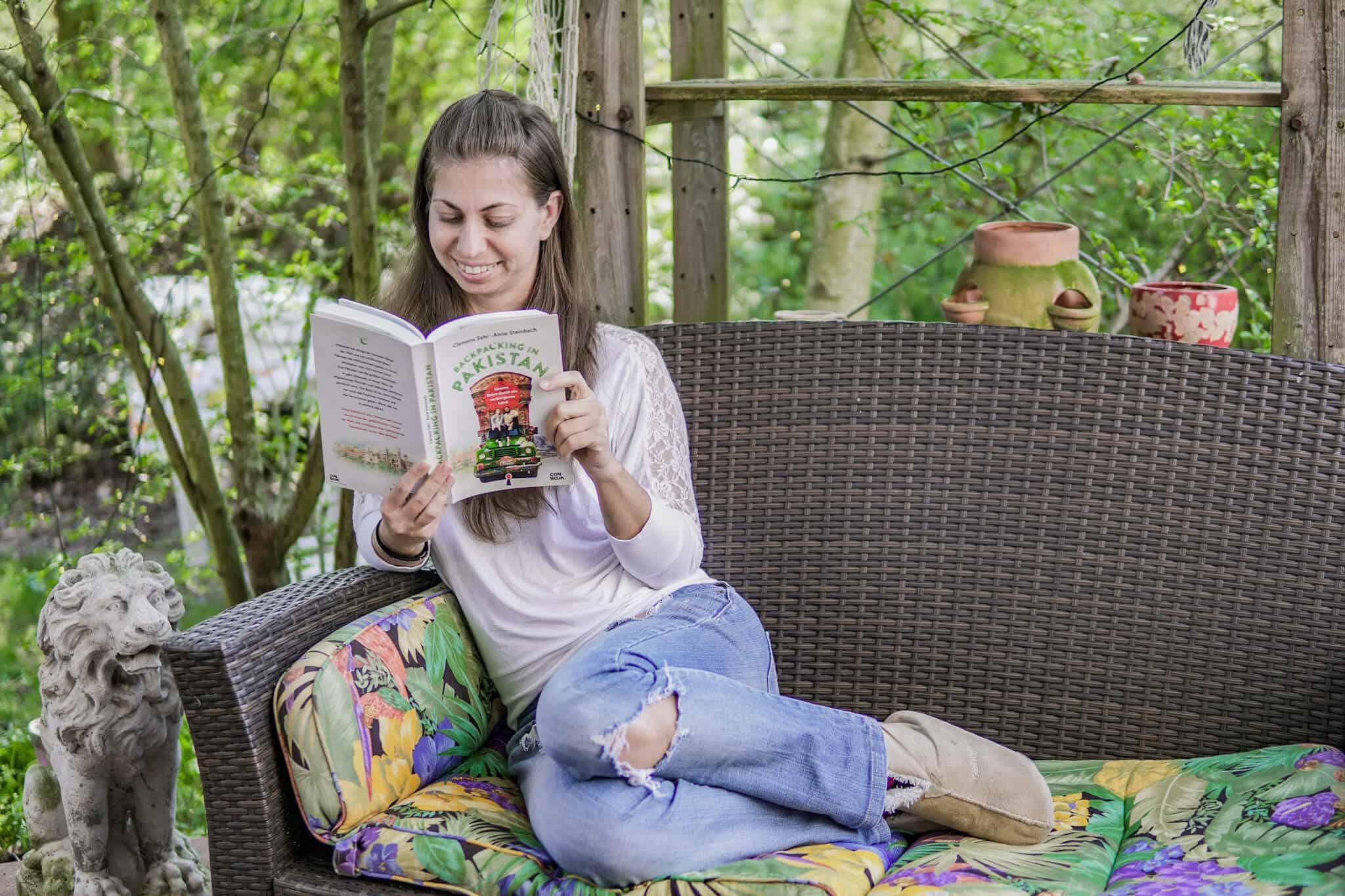 Barbara beim Lesen