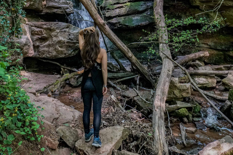 Barbara am Wasserfall Margarethenschlucht