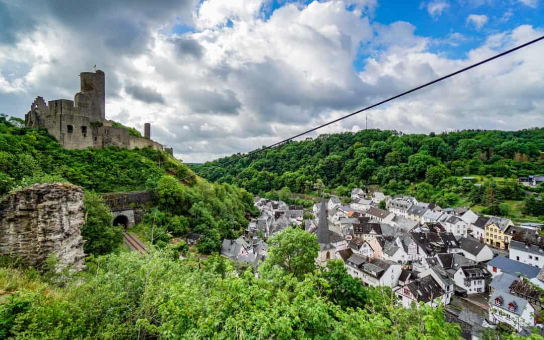 Monreal in der Eifel – Tagesausflug ins romantische Eltztal