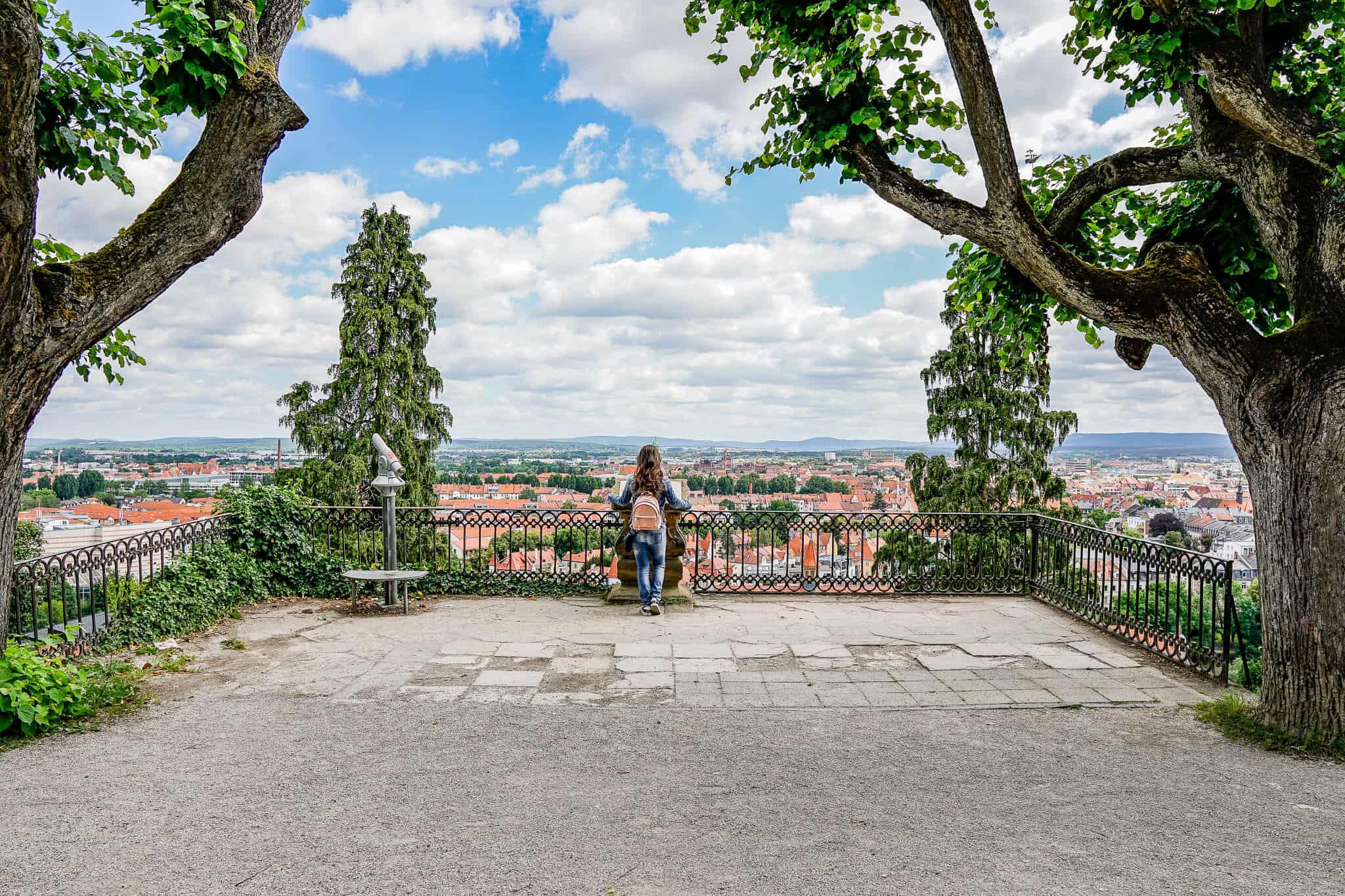 Barbara auf der Aussichtsplattform Michelsberg