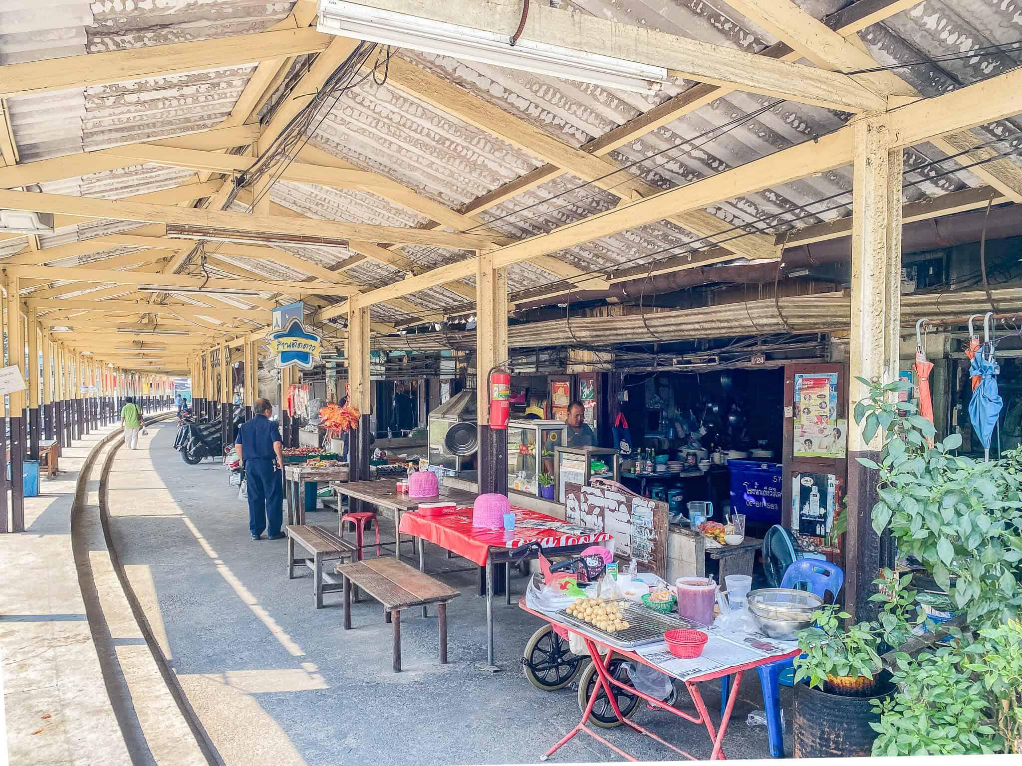Ban Laem Bahnhof