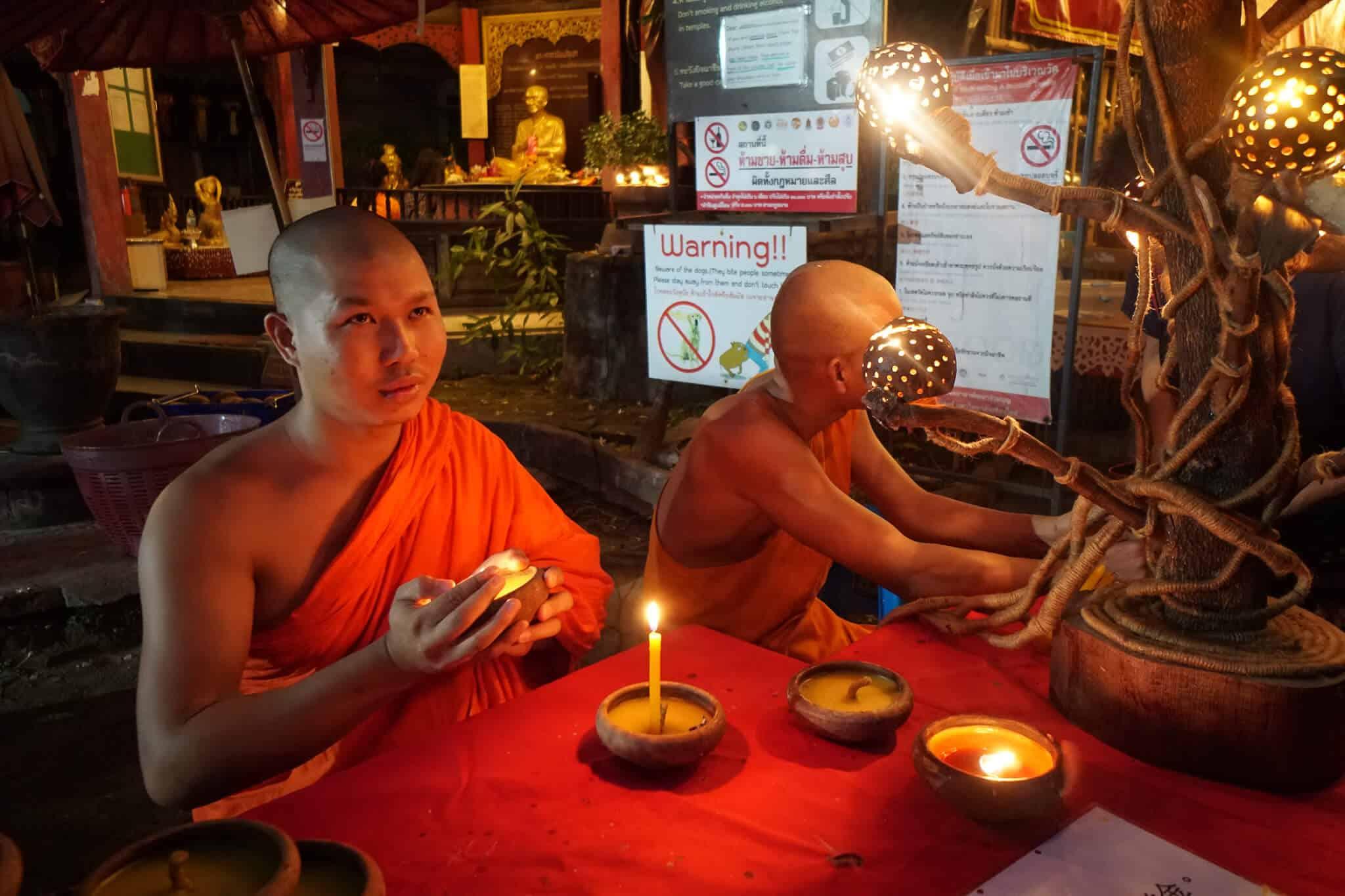 Monks Wat Phan Tao