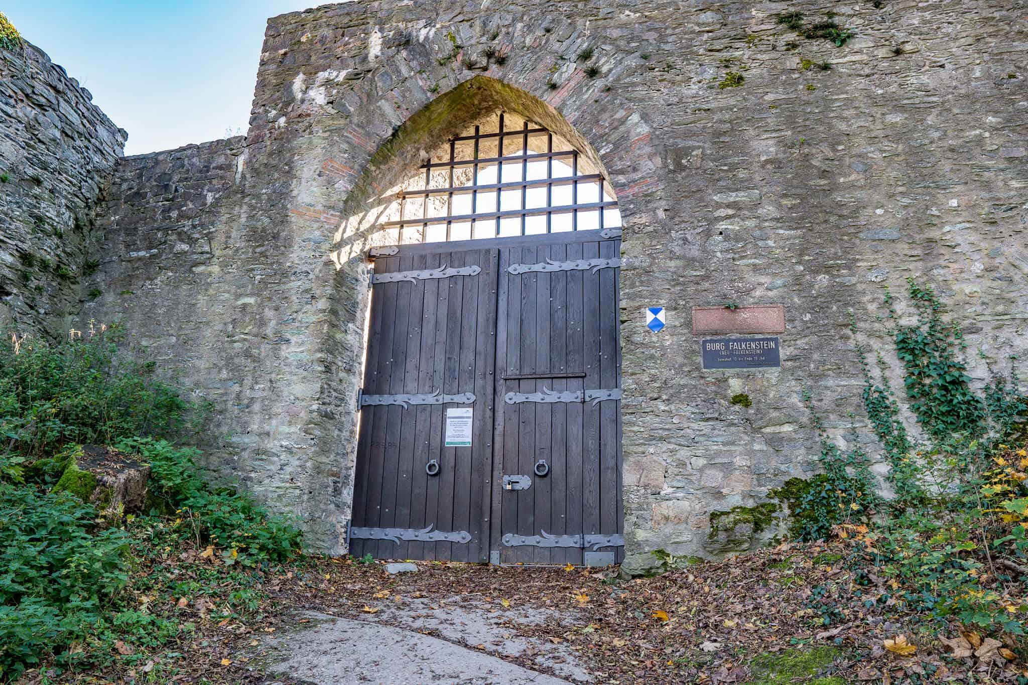 Eingang Falkensteiner Burg