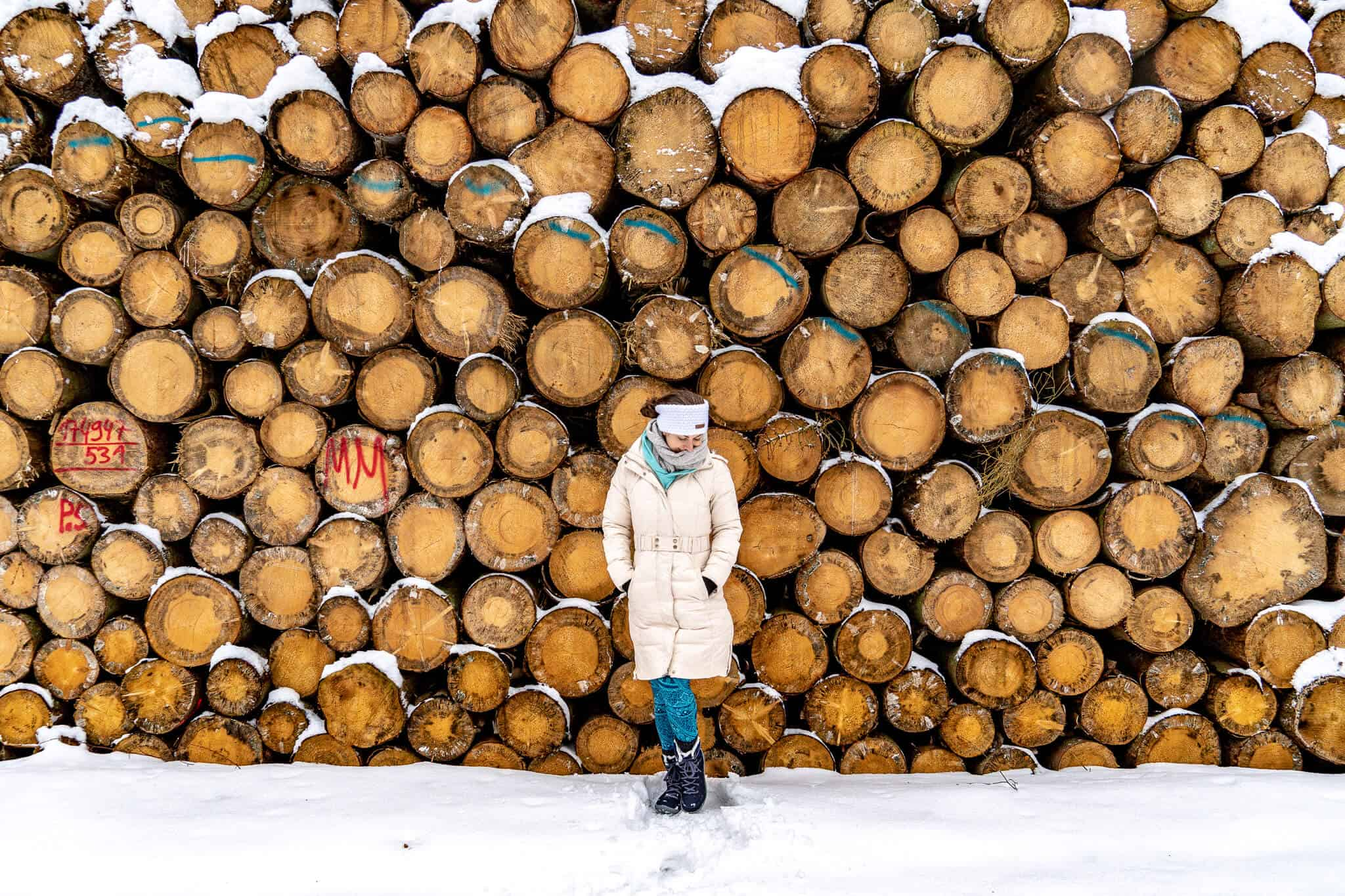 Barbara bei einer Schneewanderung