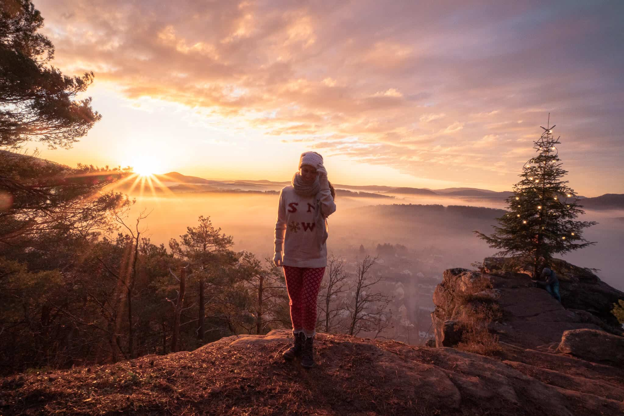 Barbara im Sonnenaufgang am Wachtfels