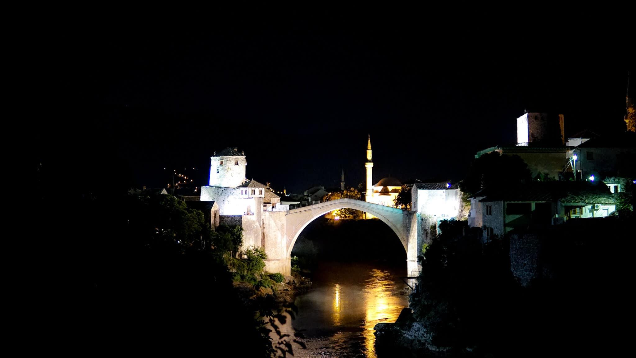 Stari Most Mostar bei Nacht